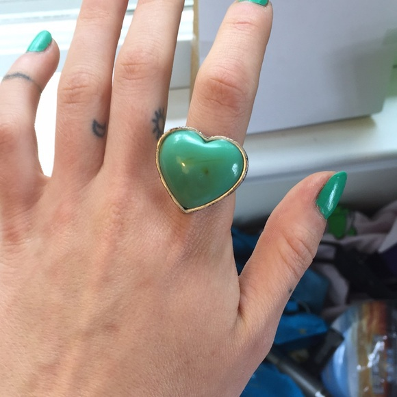 Jewelry - Teal stone heart ring